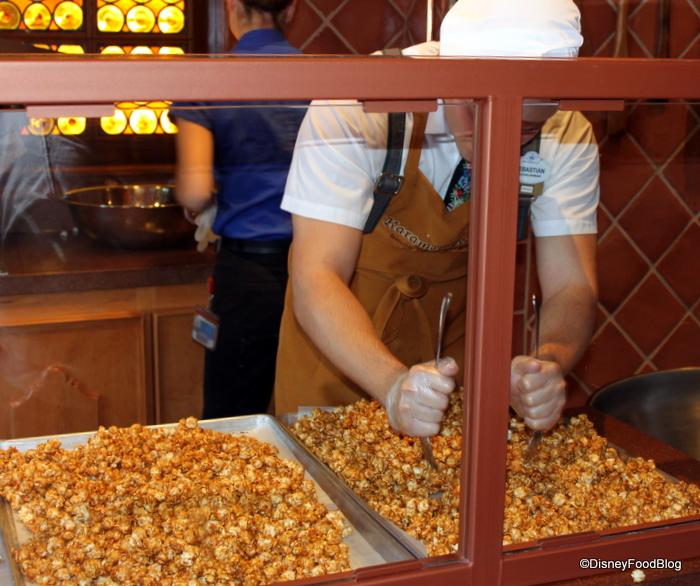 karamell-kuche-making-corn